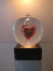 urn-sphere-met-dubbeltje