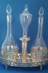 glaswerk in antiek zilver